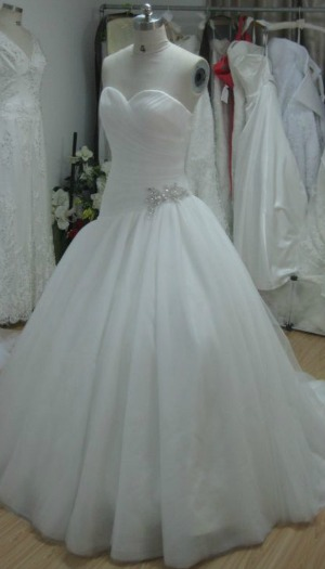 Current stock for Wedding dresses for large hips